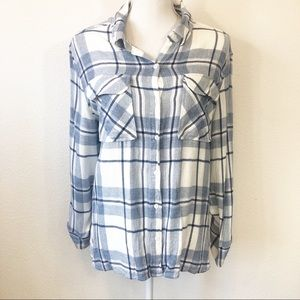 Two by Vince Camuto Blue and White Flannel Top
